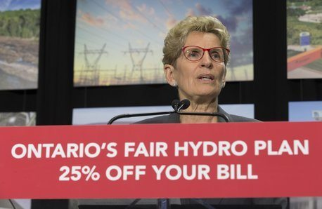 Liberals hit voters with double-barrelled advertising blitz for hydro plan
