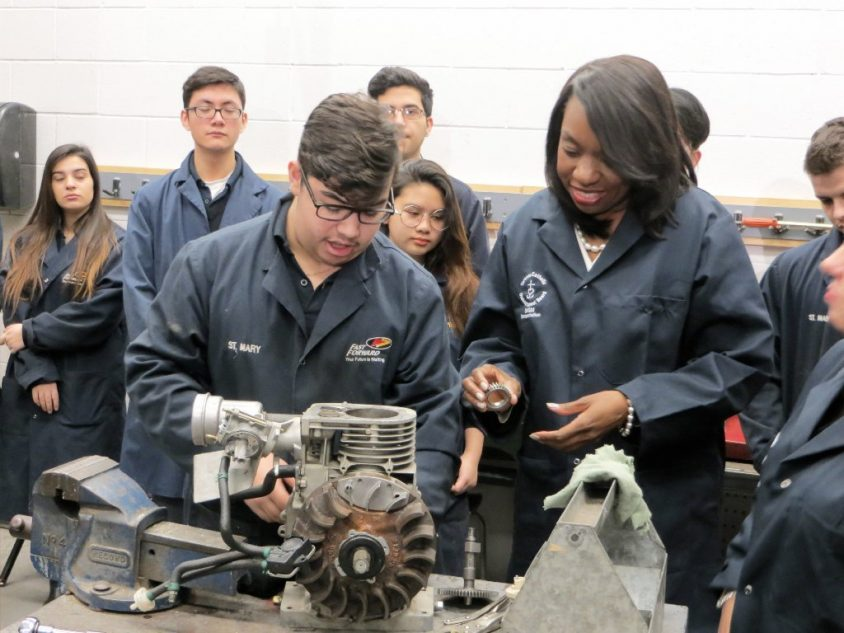 Ontario to offer high-school students more hands-on job experience