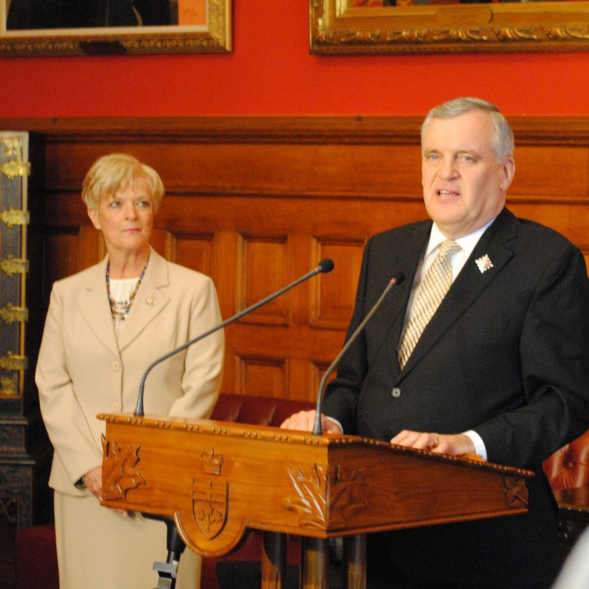 Onley says farewell to vice-regal office as Dowdeswell prepares to take over