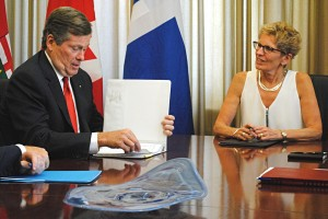 Wynne and Tory meet at Queen's Park to discuss policing and transit in Toronto / Jessica Smith Cross